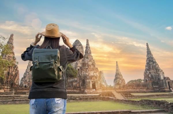 มาตรการ กระตุ้นเศรษฐกิจ โดยการให้นักท่องเที่ยว เข้ามาในประเทศ