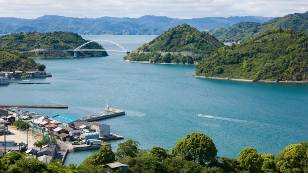 ประเทศญี่ปุ่น นั้นกลับกลายมาเป็นข้อเสียที่ส่งผลกระทบต่อชุมชนบริเวณทะเลสาบเซโตะซะงั้น